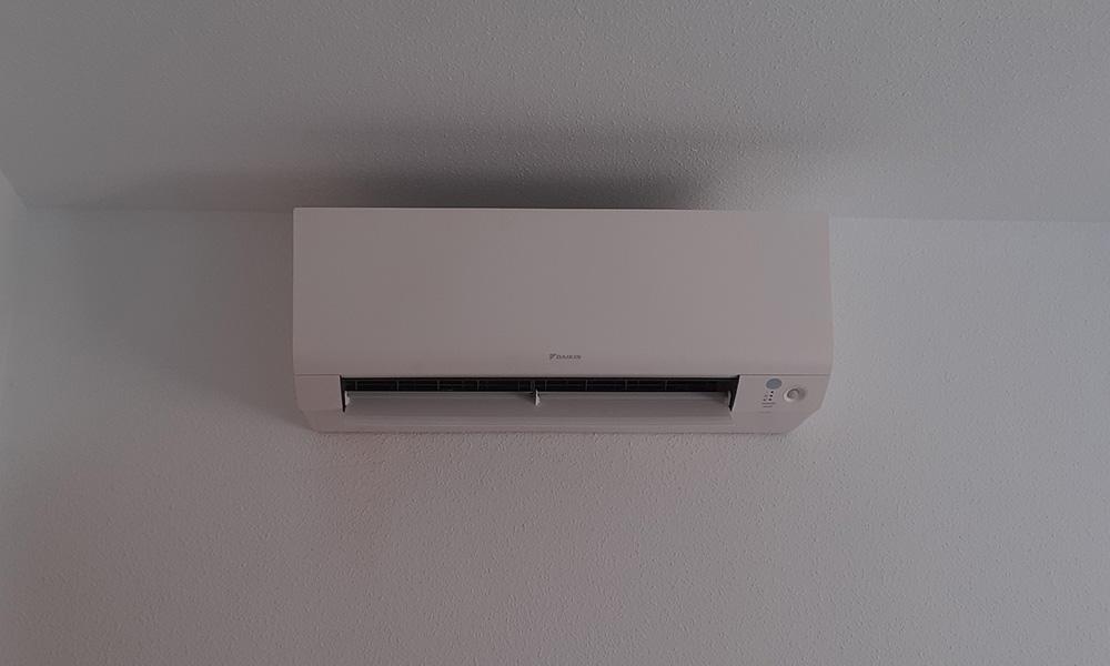 Equipo aire acondicionado Daikin serie Sensira en Denia Alicante
