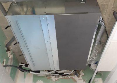 Instalación de unidad Daikin de aire acondicionado conductos en Alicante